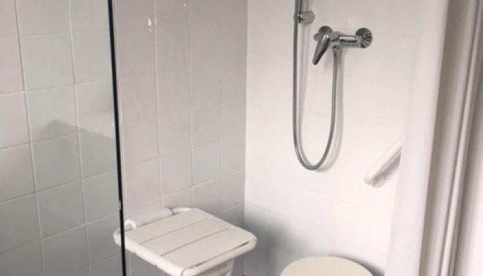 CICAT 24 Bergerac - Douche italienne médicalisée adaptéeaux personnes handicapées ou âgées