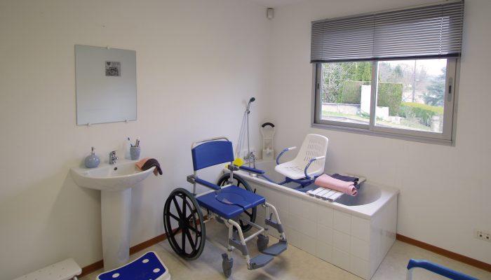 CICAT 24 - Bergerac - Salle de bains médicalisée adaptée aux personnes handicapées ou âgées